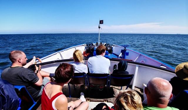 EWA wypływająca z Sopockiego mola, płynie na Hel