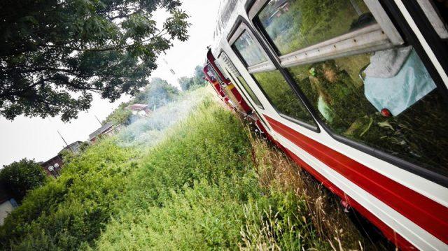 """Pociąg turystyczny """"wydostaje się"""" z Koszalina"""